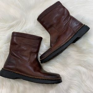Clark's | Men's Genuine Leather Brown Boots 8M